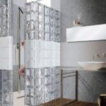 Brique verre salle de bain