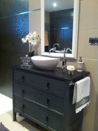 meuble commode salle de bain. Black Bedroom Furniture Sets. Home Design Ideas