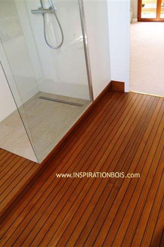 Plancher teck salle de bain for Salle de bain plancher bois