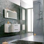 Revetement murs salle de bain