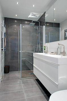 salle de bains gris et blanc