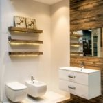 Carrelage mural imitation bois salle de bain