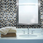 Carrelage adhésif salle de bain